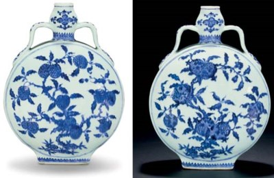 A FINE AND RARE MING-STYLE BLU