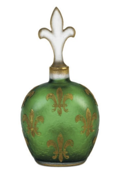 A FRENCH GILT AND CAMEO GLASS