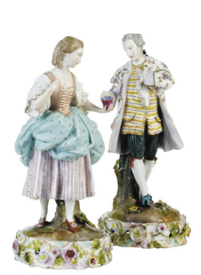 A PAIR OF MEISSEN STYLE FIGURE
