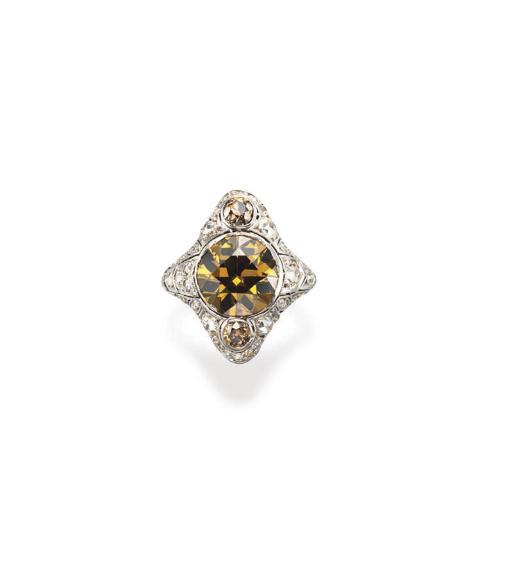 A BELLE EPOQUE COLORED DIAMOND RING