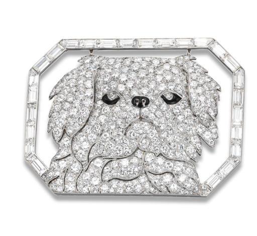 AN ART DECO DIAMOND PEKINGESE DOG BROOCH, BY JANESICH