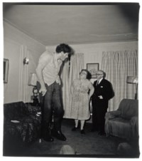 A Jewish Giant at home with his parents, 1967