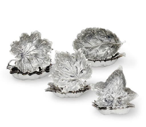 A SET OF SIXTEEN ITALIAN SILVE