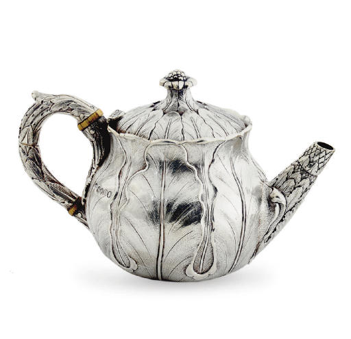 A WILLIAM IV SILVER TEAPOT**