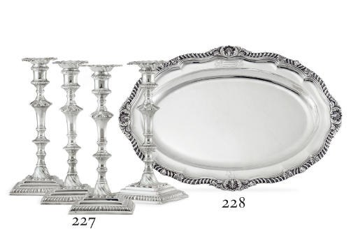 A GEORGE IV SILVER MEAT DISH