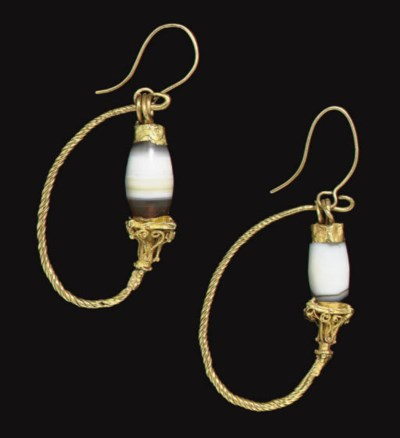A PAIR OF GREEK GOLD AND BANDE