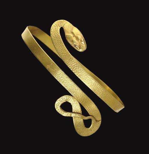 A ROMAN GOLD SNAKE BRACELET