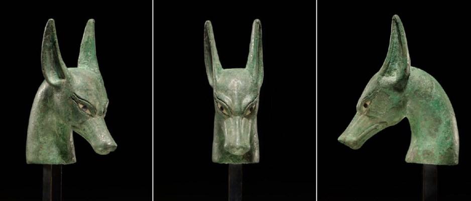 AN EGYPTIAN BRONZE SCEPTER FIN