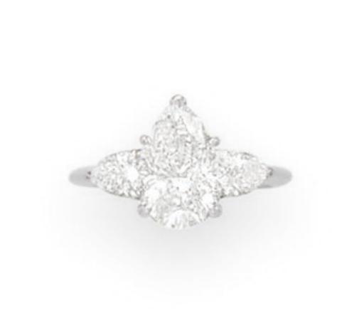 A DIAMOND RING, BY TIFFANY & C