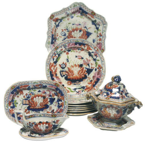 AN ENGLISH IMARI IRONSTONE CHI