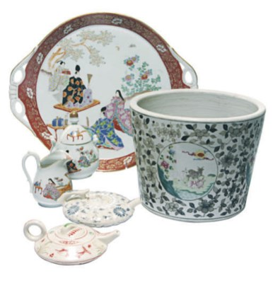 A GROUP OF ASIAN WARES,