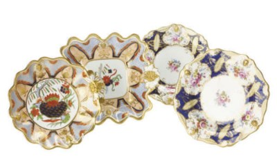 SIX MINTON PLATES AND A HAMMER