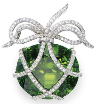A PERIDOT, DIAMOND AND PLATINU
