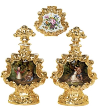 A PAIR OF FRENCH GOLD-GROUND S