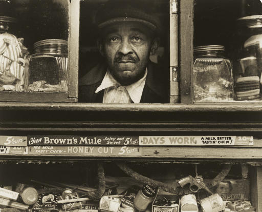 Harlem Merchant, New York, 1937