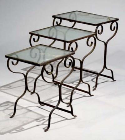 TABLE GIGOGNE EN TROIS PARTIES