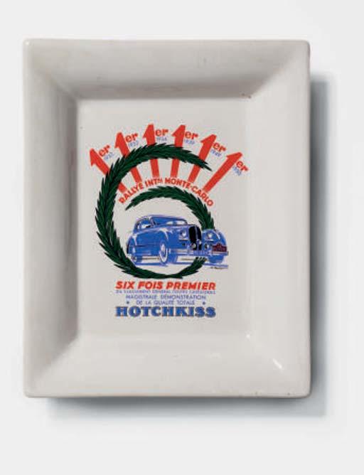 Hotchkiss; un cendrier publici