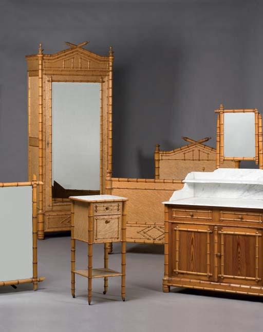 mobilier de chambre a coucher vers 1900 christie 39 s. Black Bedroom Furniture Sets. Home Design Ideas