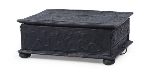AN ITALIAN PRESSED AND ENGRAVED LEATHER-LINED WRITING CASKET
