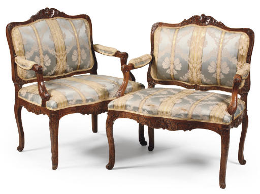 A PAIR OF AUSTRIAN CARVED BEEC