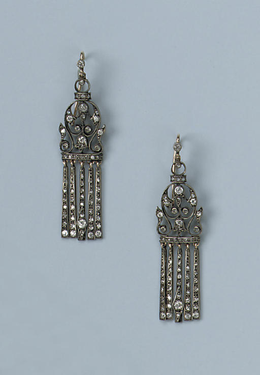 A PAIR OF RUSSIAN DIAMOND EARR