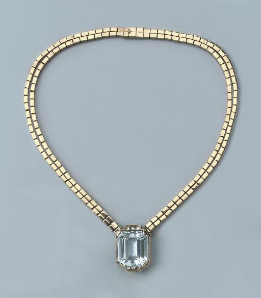 A RETRO AQUAMARINE AND DIAMOND
