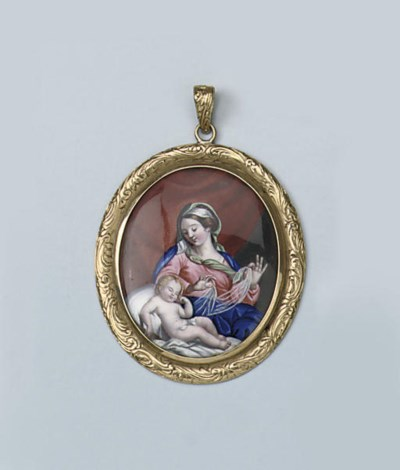 AN ANTIQUE MINIATURE PENDANT