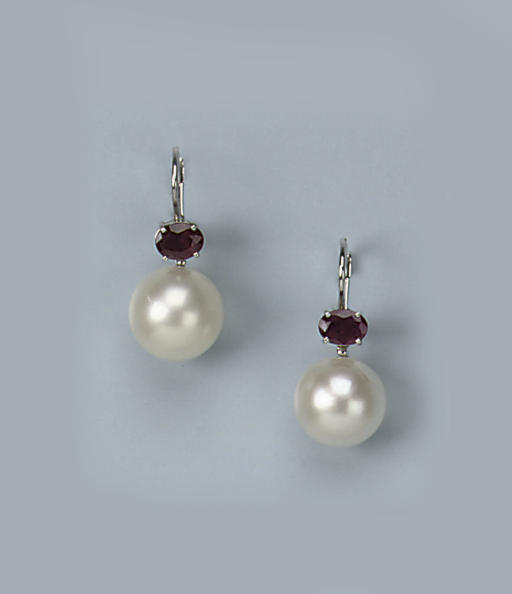 A PAIR OF SOUTH SEA CULTURED PEARL AND RUBY EARRINGS