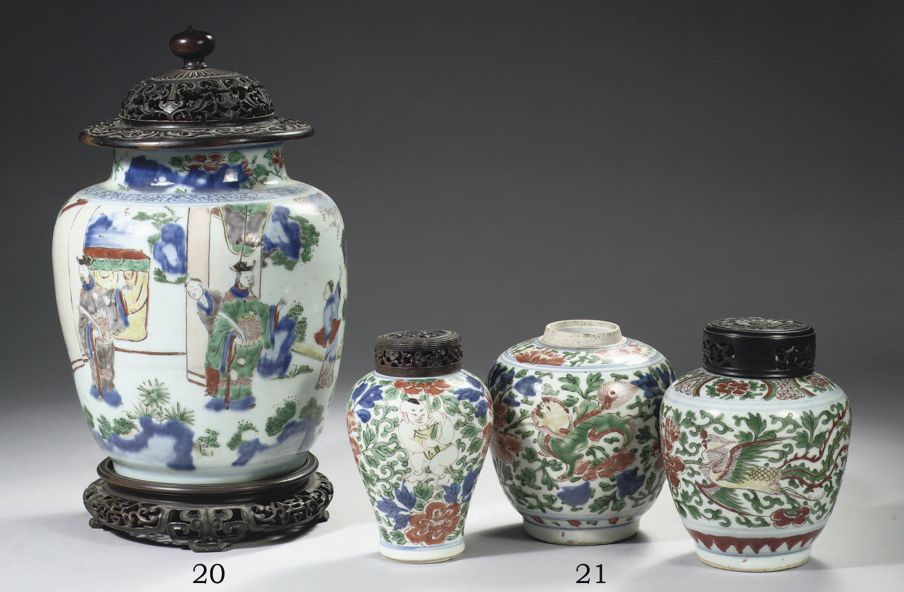 A Transitional wucai jar