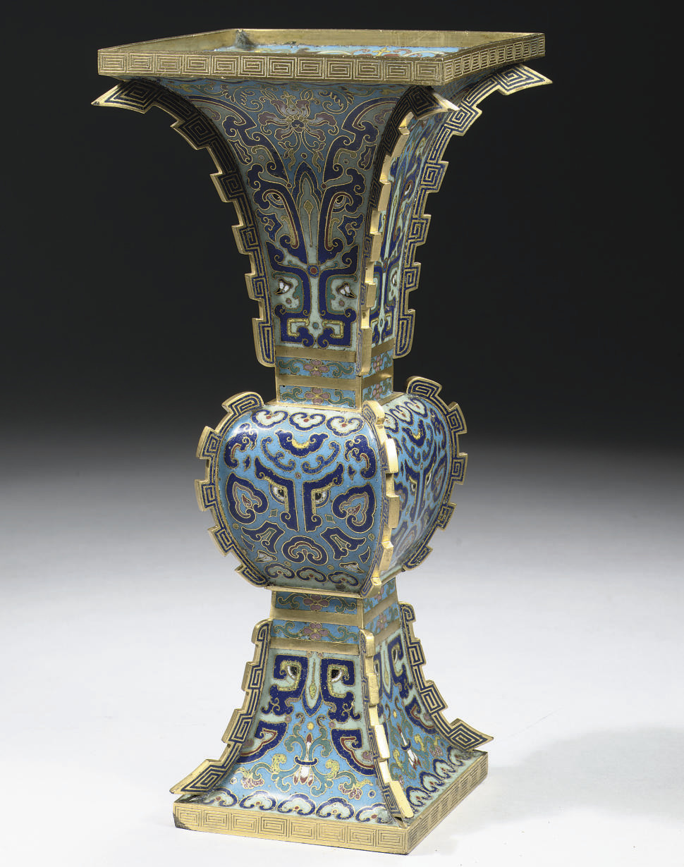 A cloisonne enamel vase facett