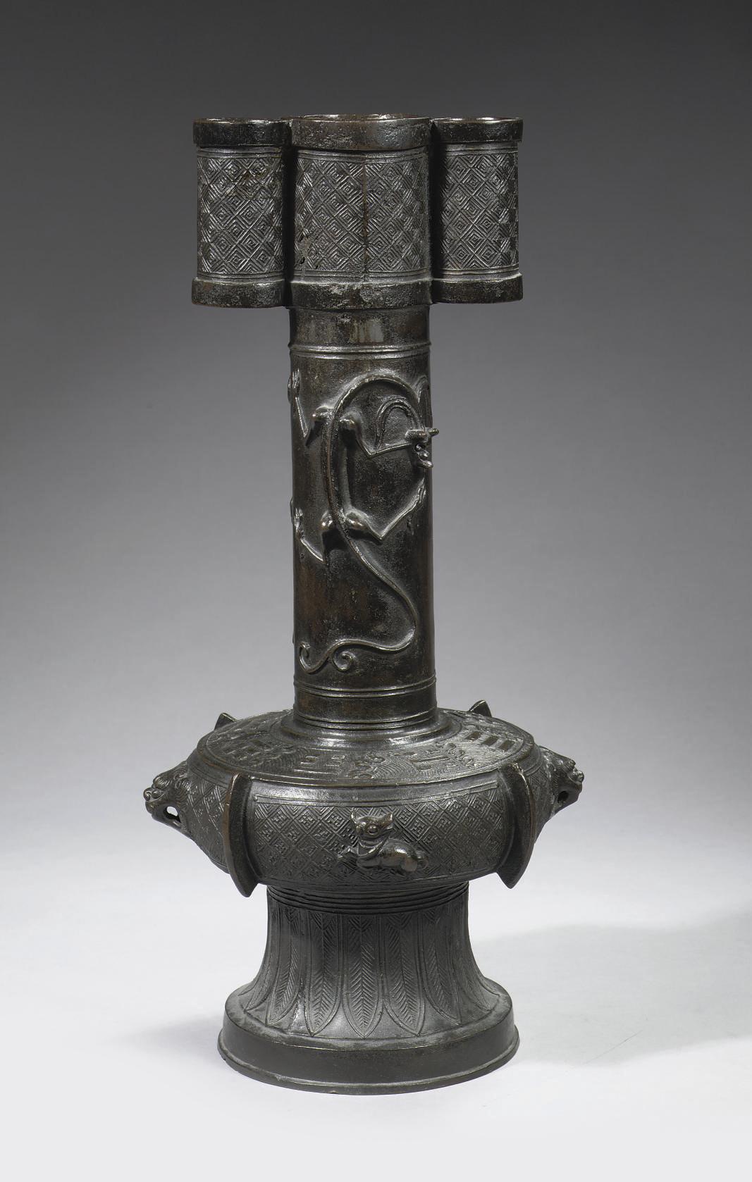 A large bronze archaistic arro