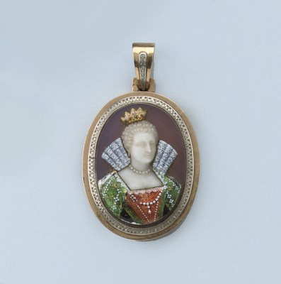 AN ANTIQUE CAMEO PENDANT