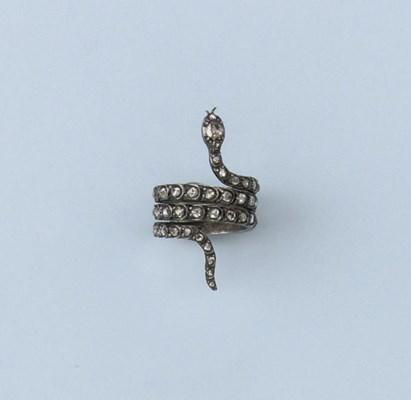 AN ANTIQUE DIAMOND SNAKE RING