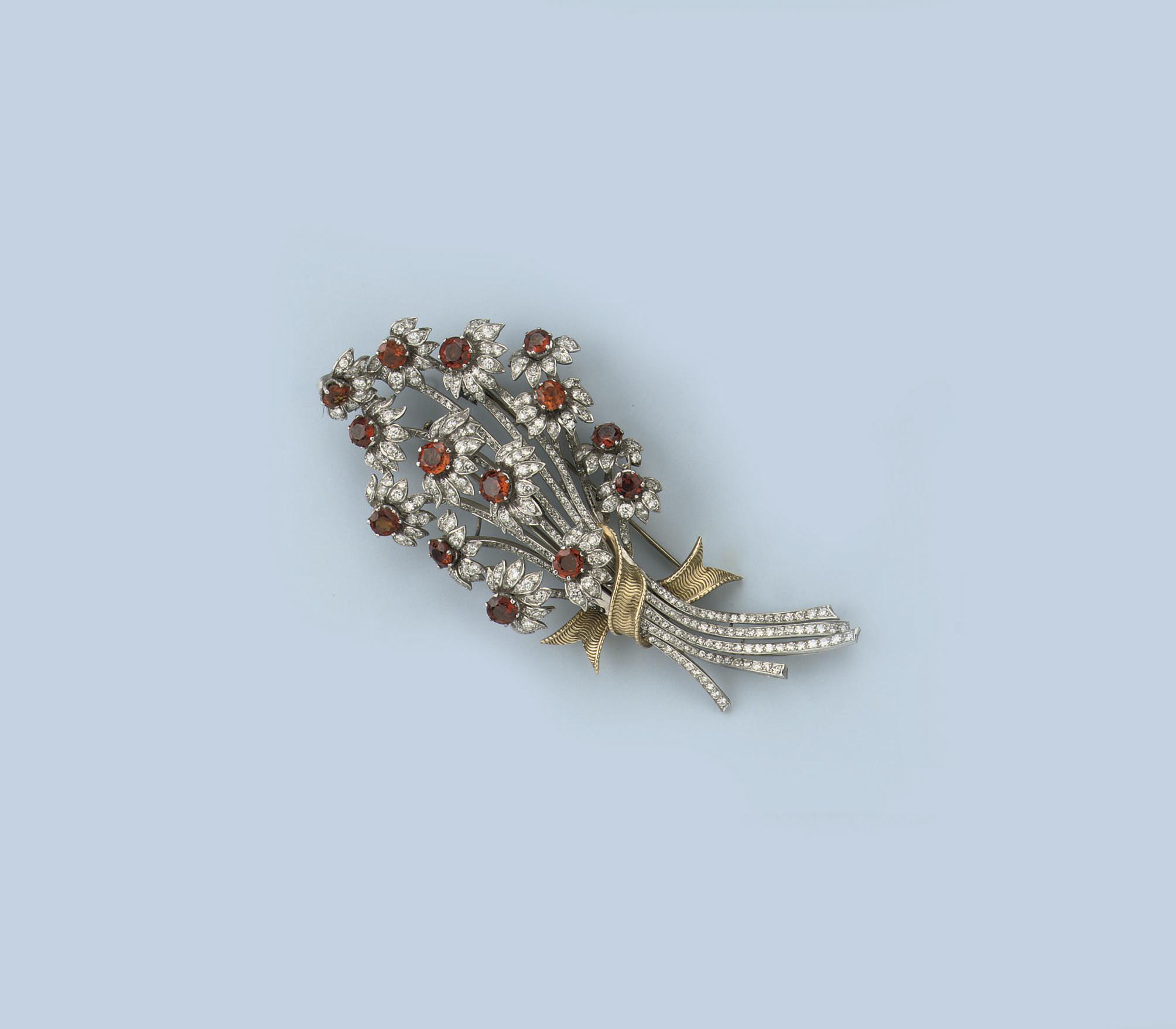 A CITRINE AND DIAMOND FLOWER B