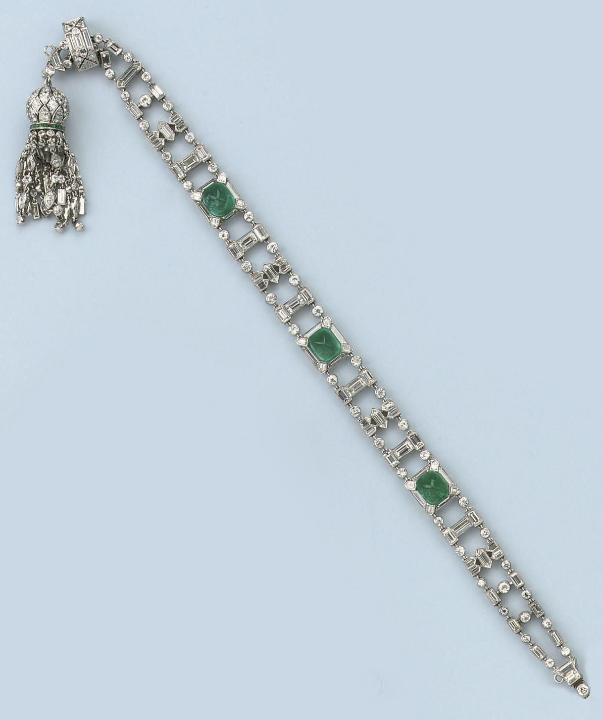 A FINE ART DECO EMERALD AND DIAMOND BRACELET