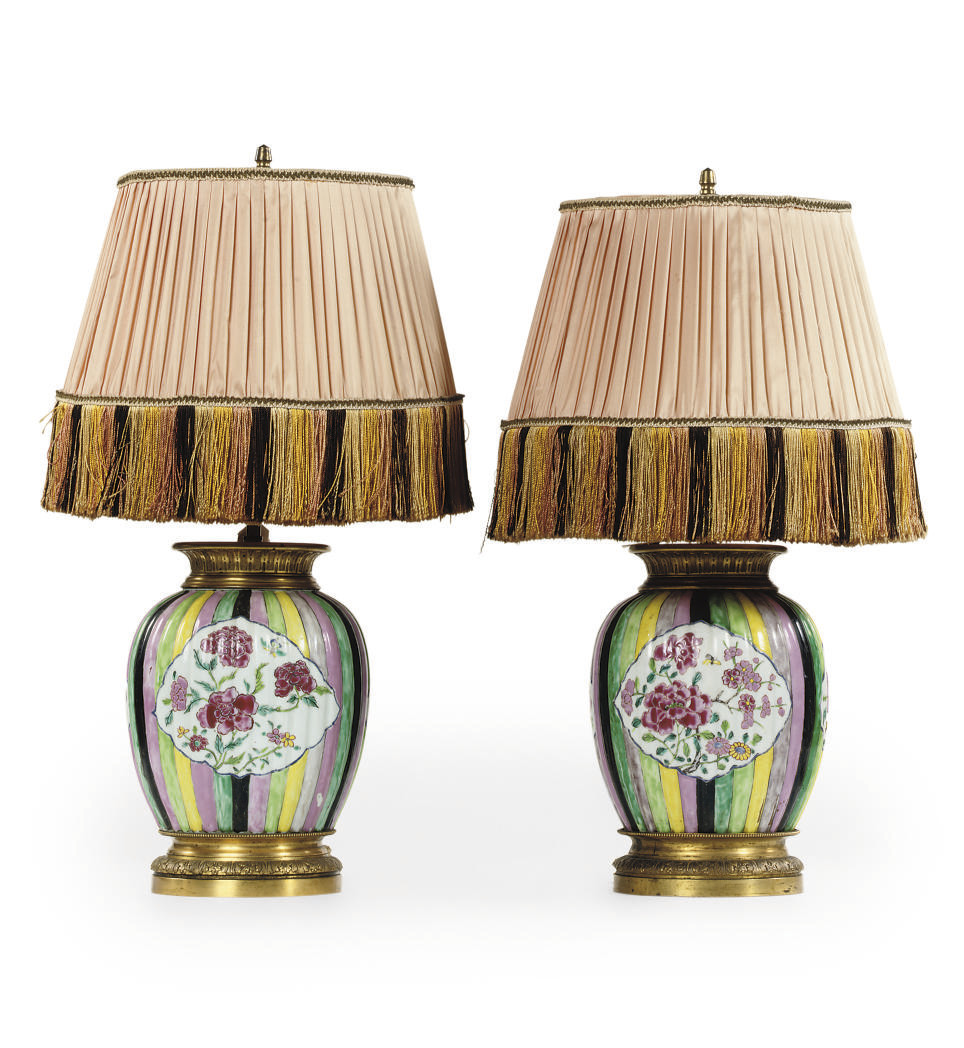 A PAIR OF EUROPEAN ORMOLU-MOUN
