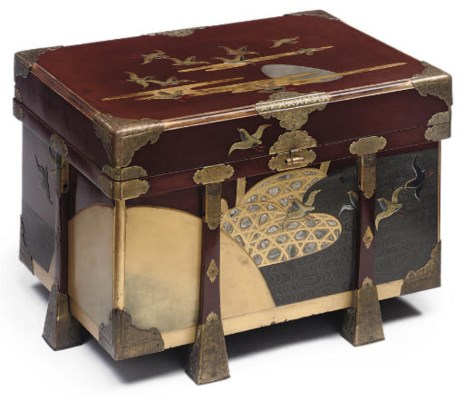 A JAPANESE LACQUER COFFER