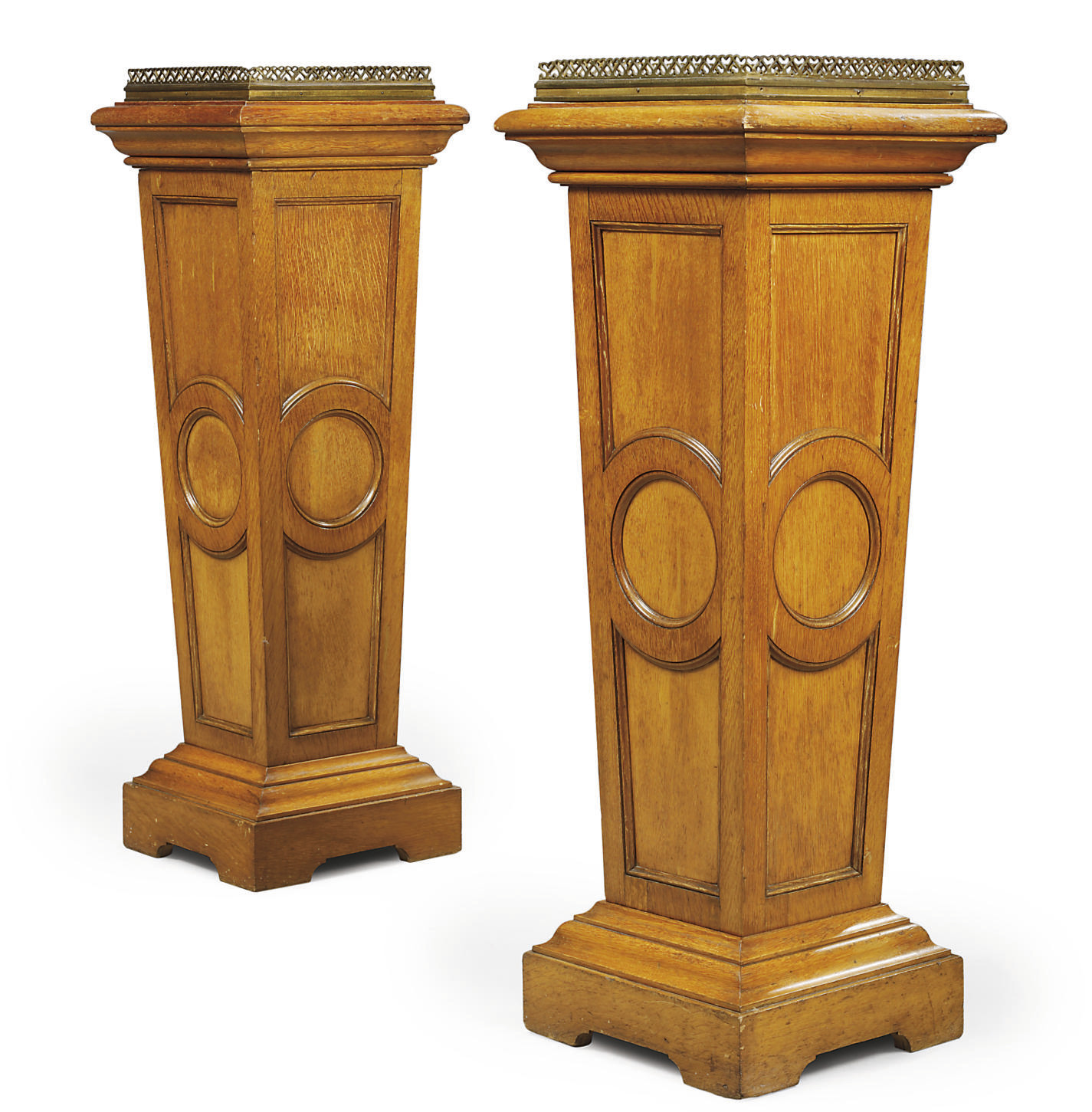 A PAIR OF VICTORIAN OAK AND BR