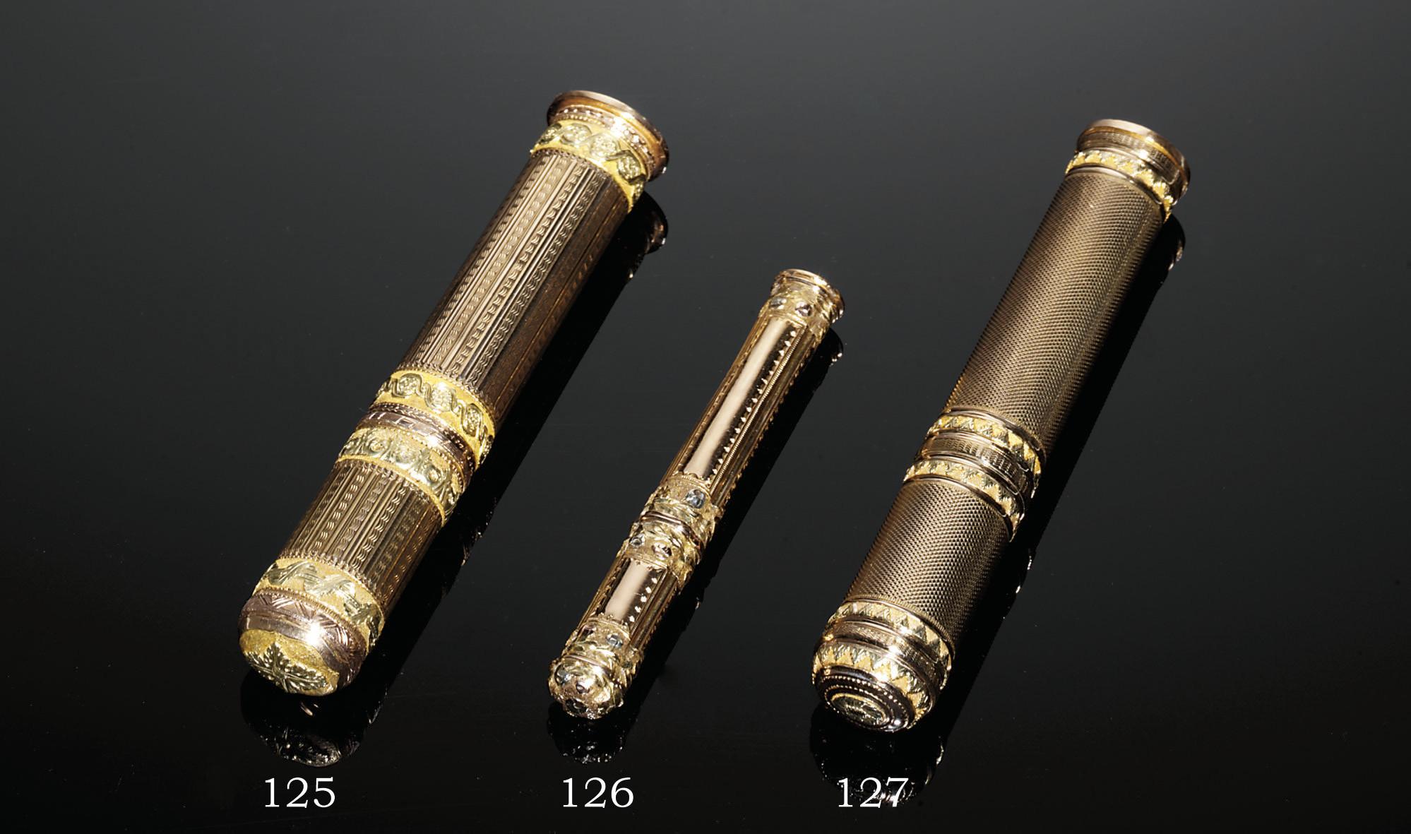A LOUIS XV THREE-COLOUR GOLD S