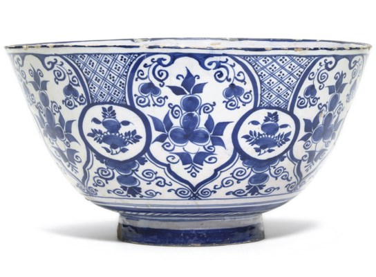 A BRISTOL DELFT BLUE AND WHITE