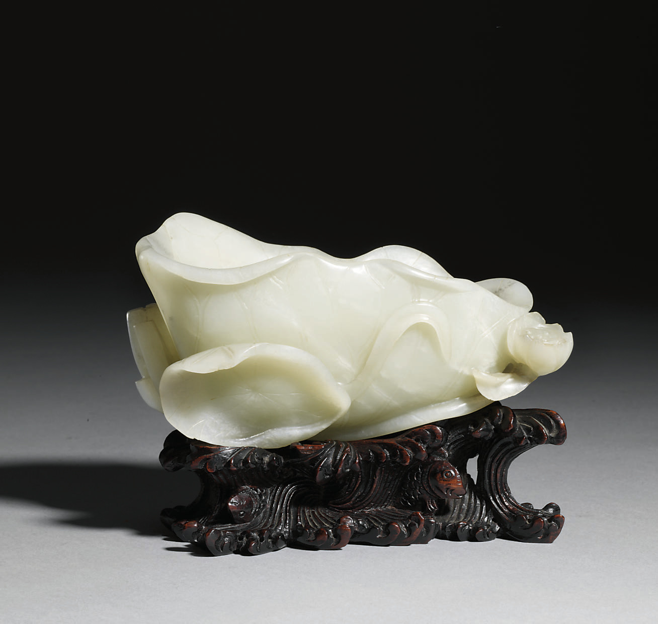 A WHITE JADE LOTUS BRUSHWASHER