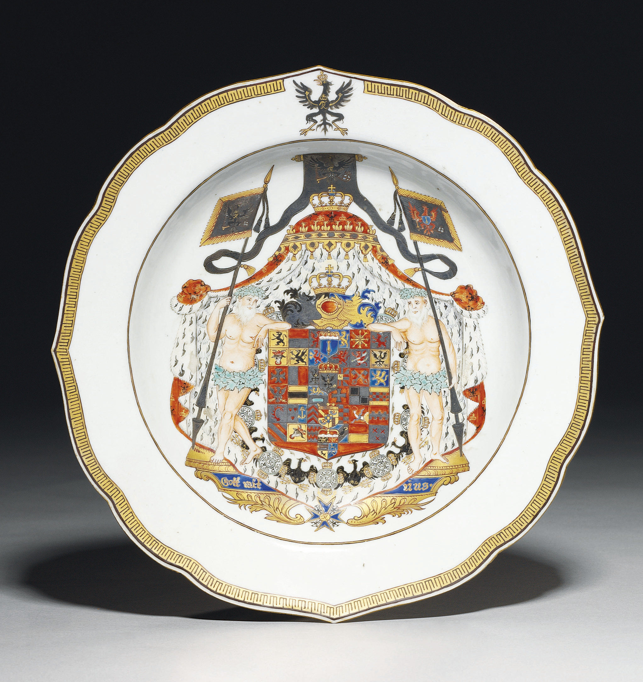 A FINE ARMORIAL SOUP-PLATE WIT