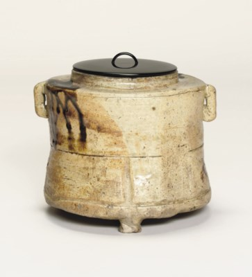 A Mino mizuzashi [water jar]