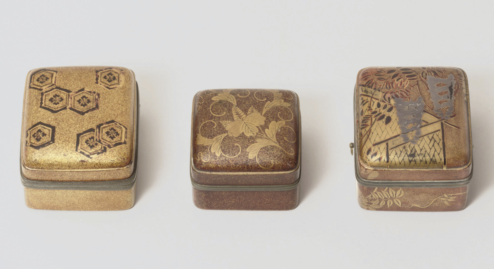 Three lacquer kobako [incense