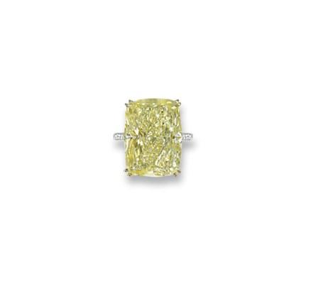 A COLOURED DIAMOND SINGLE-STON