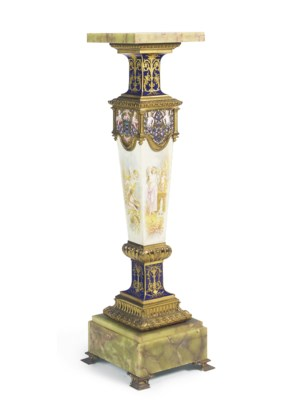 A FRENCH ORMOLU-MOUNTED, CHAMP