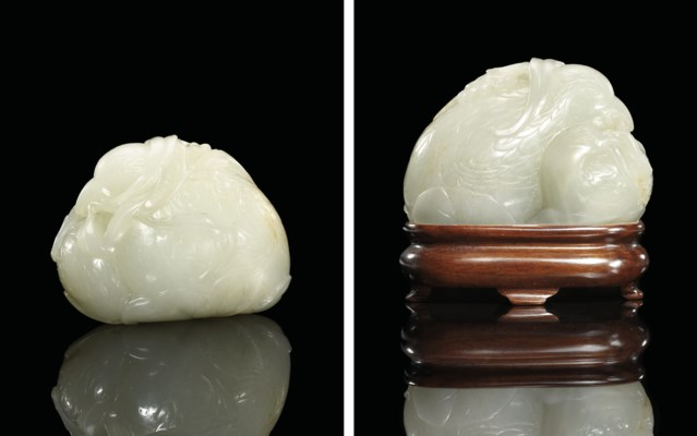 A VERY FINE WHITE JADE CARVING