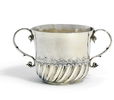 A WILLIAM III SILVER PORRINGER
