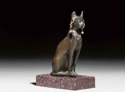 AN EGYPTIAN BRONZE SEATED CAT