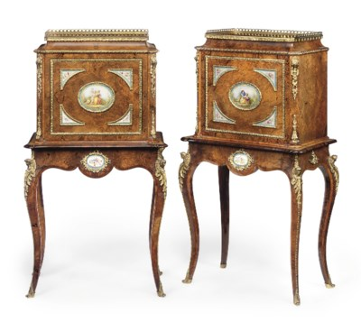 A PAIR OF ENGLISH BURR-WALNUT